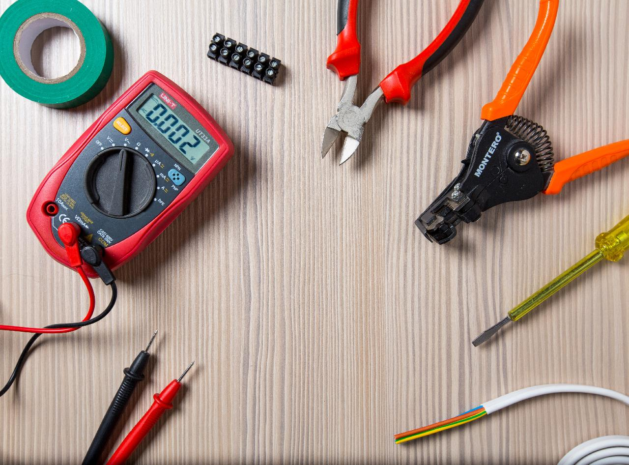 buy more tools with more customer jobs from electrician seo strategy